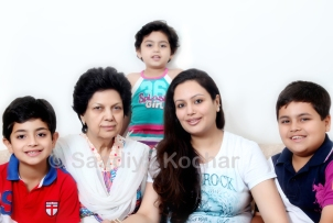 Afshan with her mother and her kids.